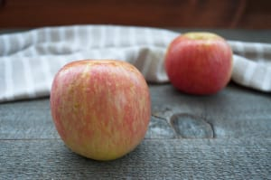 Local Organic Apples, Fuji- Code#: PR100007LCO