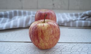 Apples, Gala - B.C. Crop... 3 Medium Apples - Code#: PR100008NCO