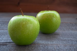 Local Organic Apples, Granny Smith - BC Crop- Code#: PR100010LCO