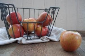 Organic Apples, Bagged Spartan - BC Crop- Code#: PR117328NPO