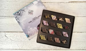 16 pc Assorted Classic Collection Gift Box- Code#: DE3119