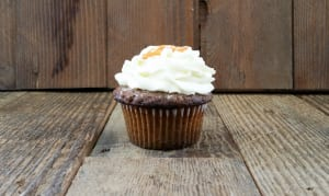 Carrot Cupcake With Vanilla Cream Frosting- Code#: DE3727