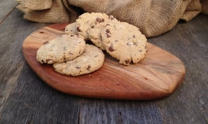 Milk Chocolate & Oatmeal Cookies- Code#: DE4002