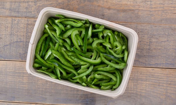Local Organic Peppers, Green, Sliced