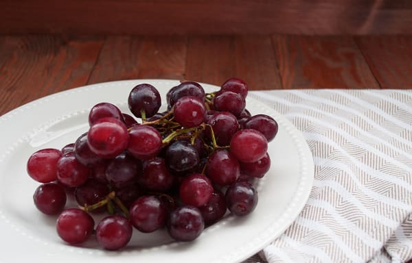 Organic Grapes, Red - Seedless
