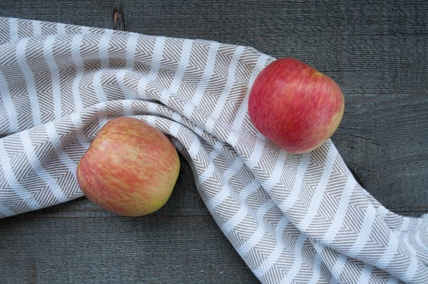 Local Organic Apples, Bagged Honeycrisp