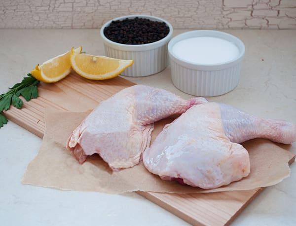 Organic Yarrow Meadows Chicken Legs - 2 Legs (Frozen)