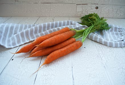 Organic Carrots, Bunched - Orange or Rainbow- Code#: PR100063NCO