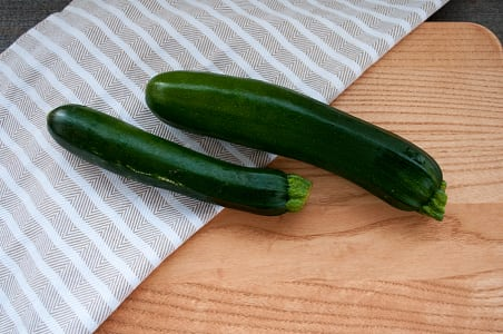 Local Organic Zucchini, Green- Code#: PR211633LCO