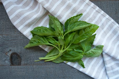 Organic Herbs, Basil, Clamshell - 28 gr portion- Code#: PR124038NCO