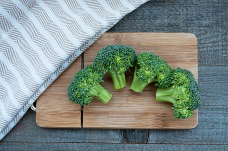 Local Organic Broccoli, Crowns- Code#: PR169337LPO