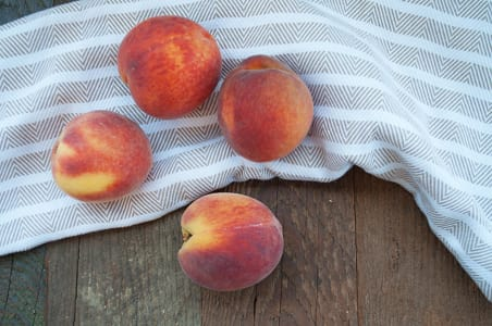 Organic Peaches - Yellow- Code#: PR100198NCO