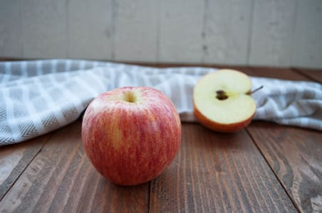 Organic Apples, Sunrise - Summer apple!- Code#: PR100019NCO