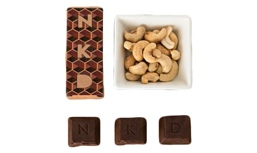 Organic Carmel and Cashew Raw Cacao Bar- Code#: DE8021