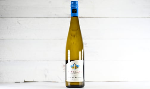 Vineland Estates - Semi-Dry Riesling- Code#: DR2223