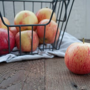 Local Organic Apples, Bagged Gala- Code#: PR101017LPO