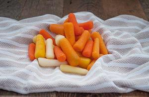 Organic Carrots, Rainbow Baby Peeled- Code#: PR216874NCO