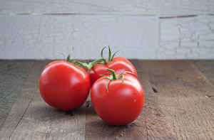 Local Tomatoes, On The Vine - BC or Organic MEX- Code#: PR101917LPN