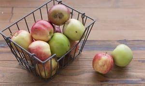 Local Organic Apples, Imperfect- Code#: PR216928LCO