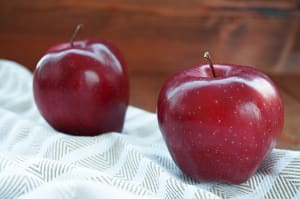 Local Organic Apples, Spartan- Code#: PR100017LCO