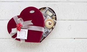 COCONAMA Mother's Day Gift Box- Code#: DE898