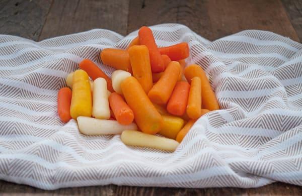 Organic Carrots, Rainbow Baby Peeled