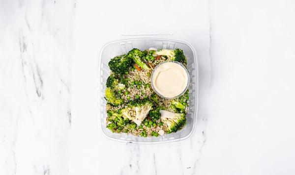 Organic Broccoli, Green Peas and Quinoa Slaw