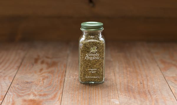 Organic Oregano Leaf in Glass Bottle